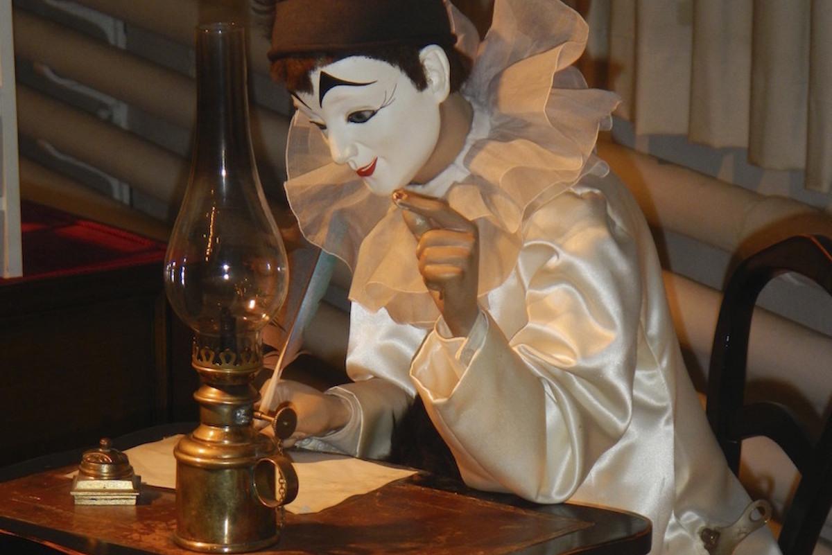 A la plume de Pierrot